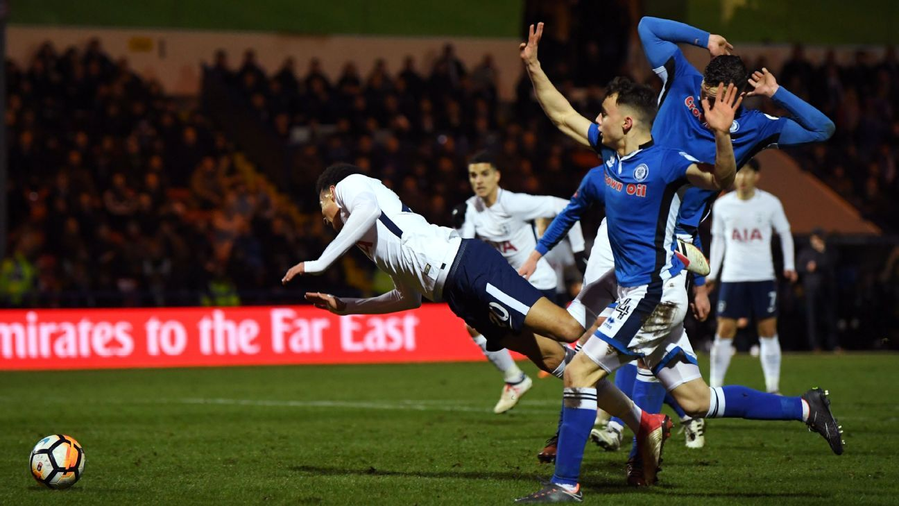 Tottenham's Dele Alli wins penalty vs Rochdale