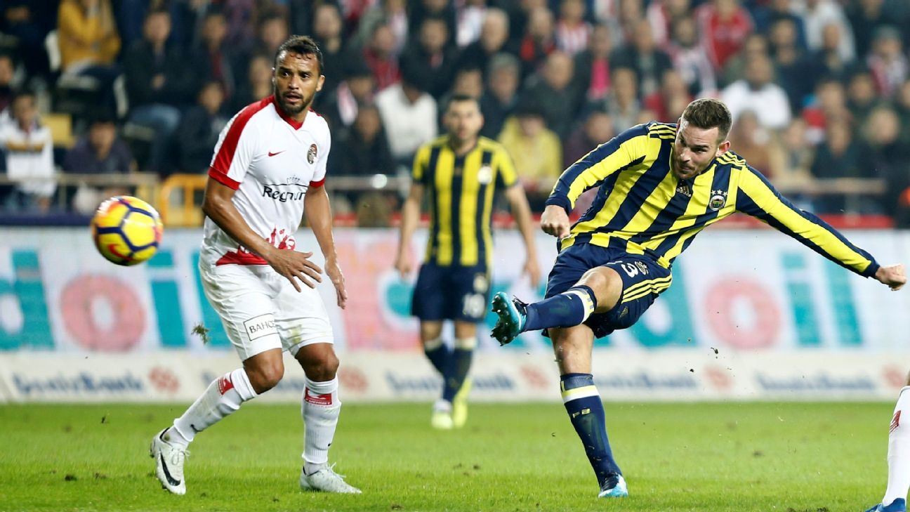 Vincent Janssen takes a shot for Fenerbahce during a  match against Antalyaspor in the Turkish Super Lig.