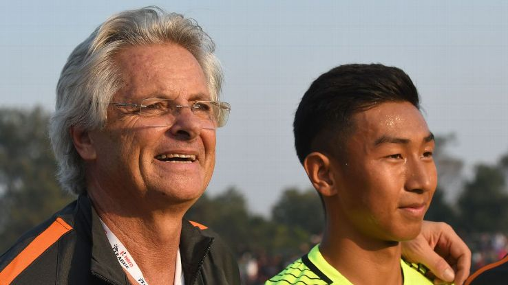 Coach Luis Matos with goalkeeper Dheeraj Singh, who put in a Man-of-the-Match performance to earn Arrows a 1-1 draw at Mohun Bagan.