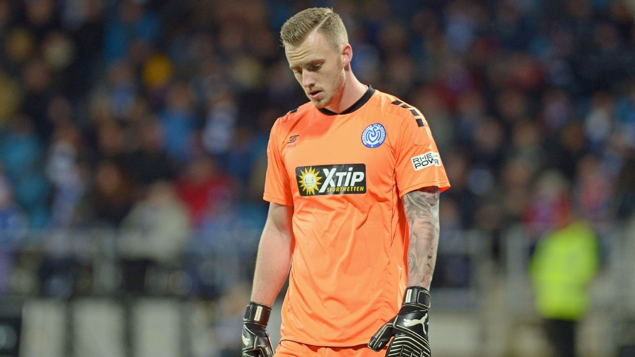 Duisburg goalkeeper Mark Flekken produced an all-time blooper on Saturday vs. Ingolstadt.