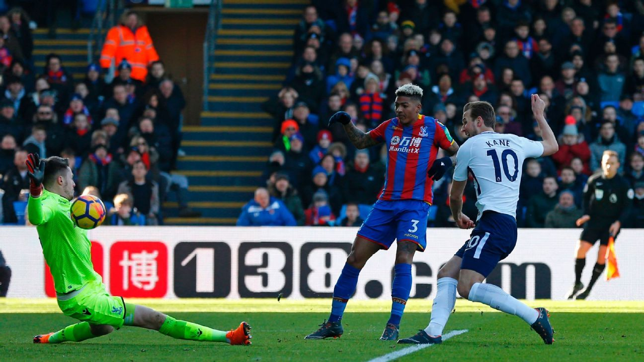 Crystal Palace goalkeeper Wayne Hennessey saves a shot from Tottenham's Harry Kane