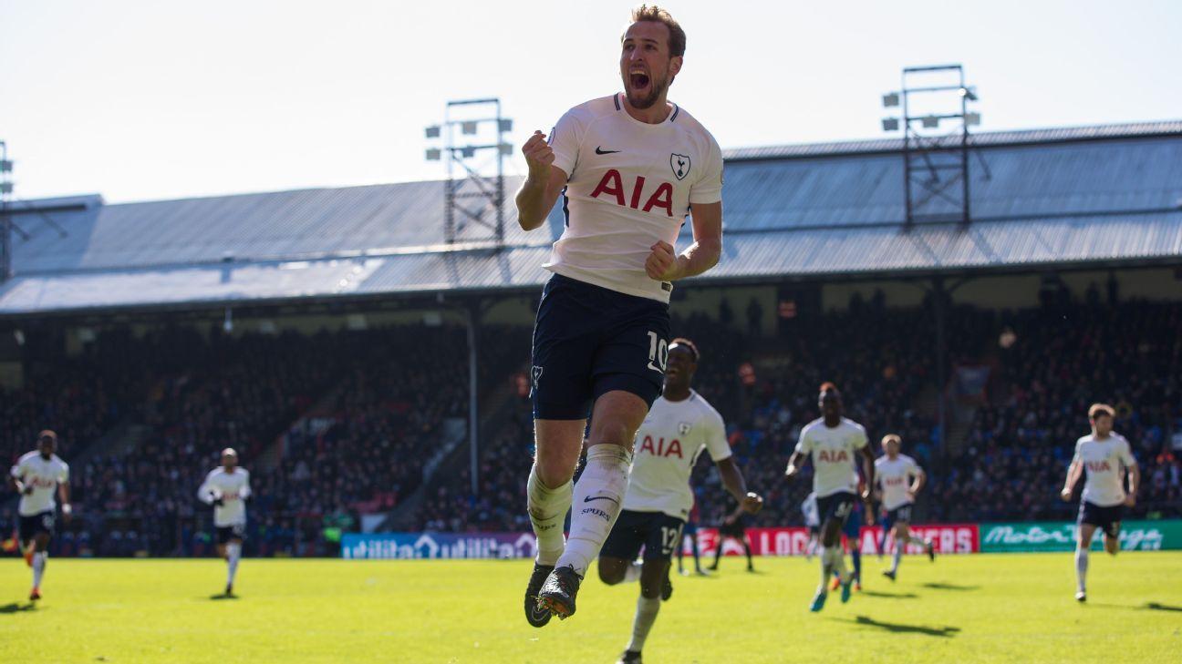 Tottenham's Harry Kane celebrates his winning goal vs Crystal Palace