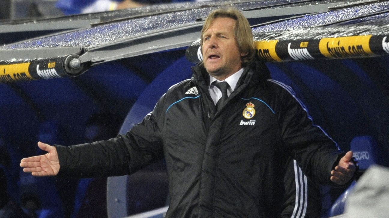 Bernd Schuster during a Real Madrid match against Sevilla in December 2008.