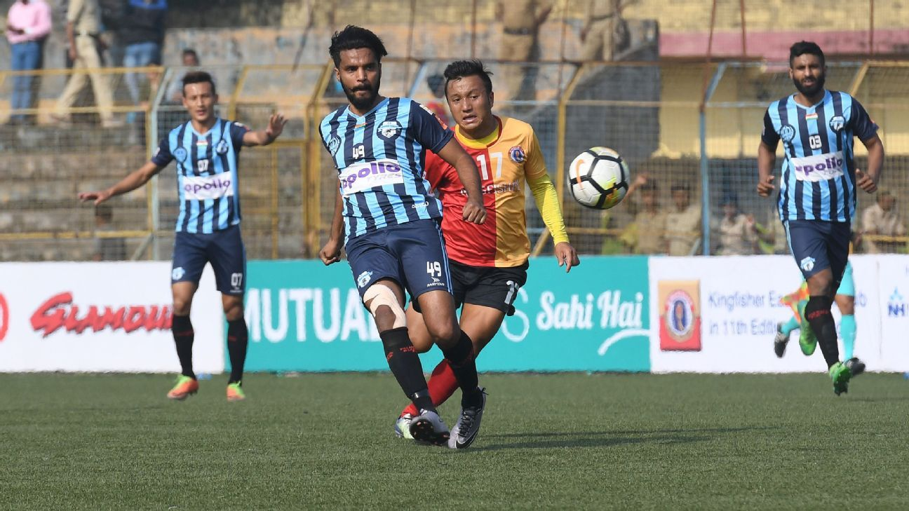 East Bengal seemed to have the advantage before they drew their last game but now Minerva are ahead.