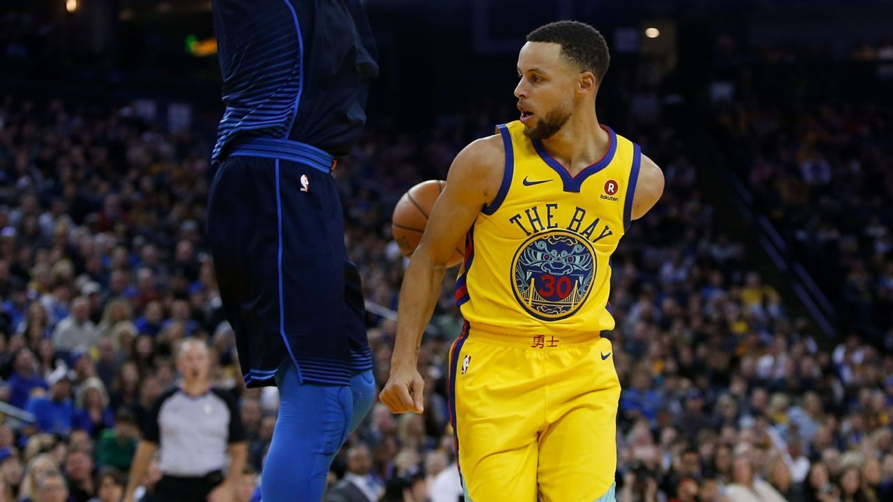 Steph Curry shows some of his own 'creative genius' with a behind-the-back pass