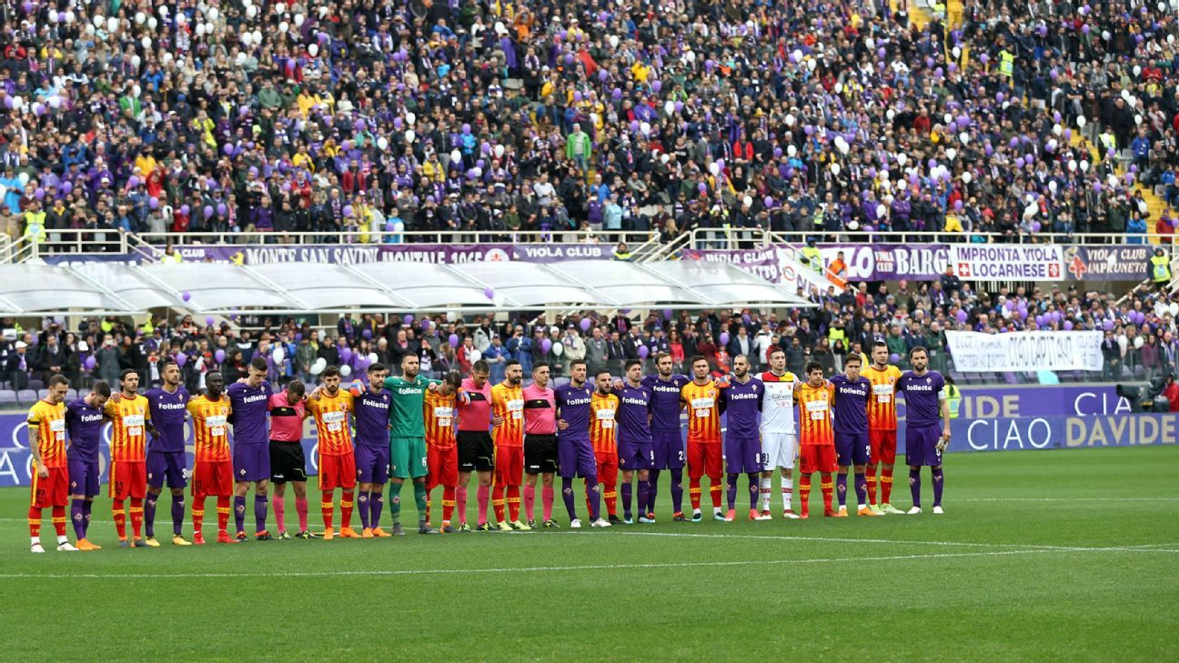 Fiorentina and Benevento pay tribute to Davide Astori ahead of their Serie A game.