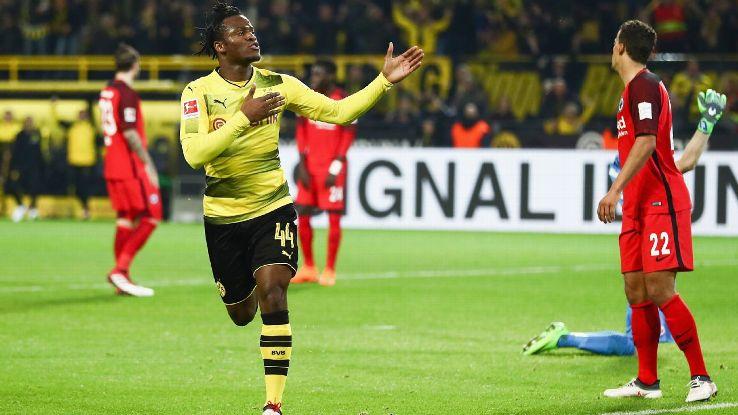 Michy Batshuayi celebrates after scoring a Dortmund's winning goal against Frankfurt.