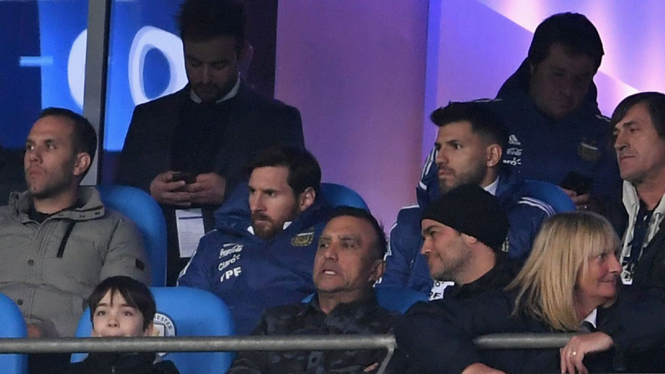 Injured Lionel Messi and Sergio Aguero were spectators for Argentina vs. Italy.