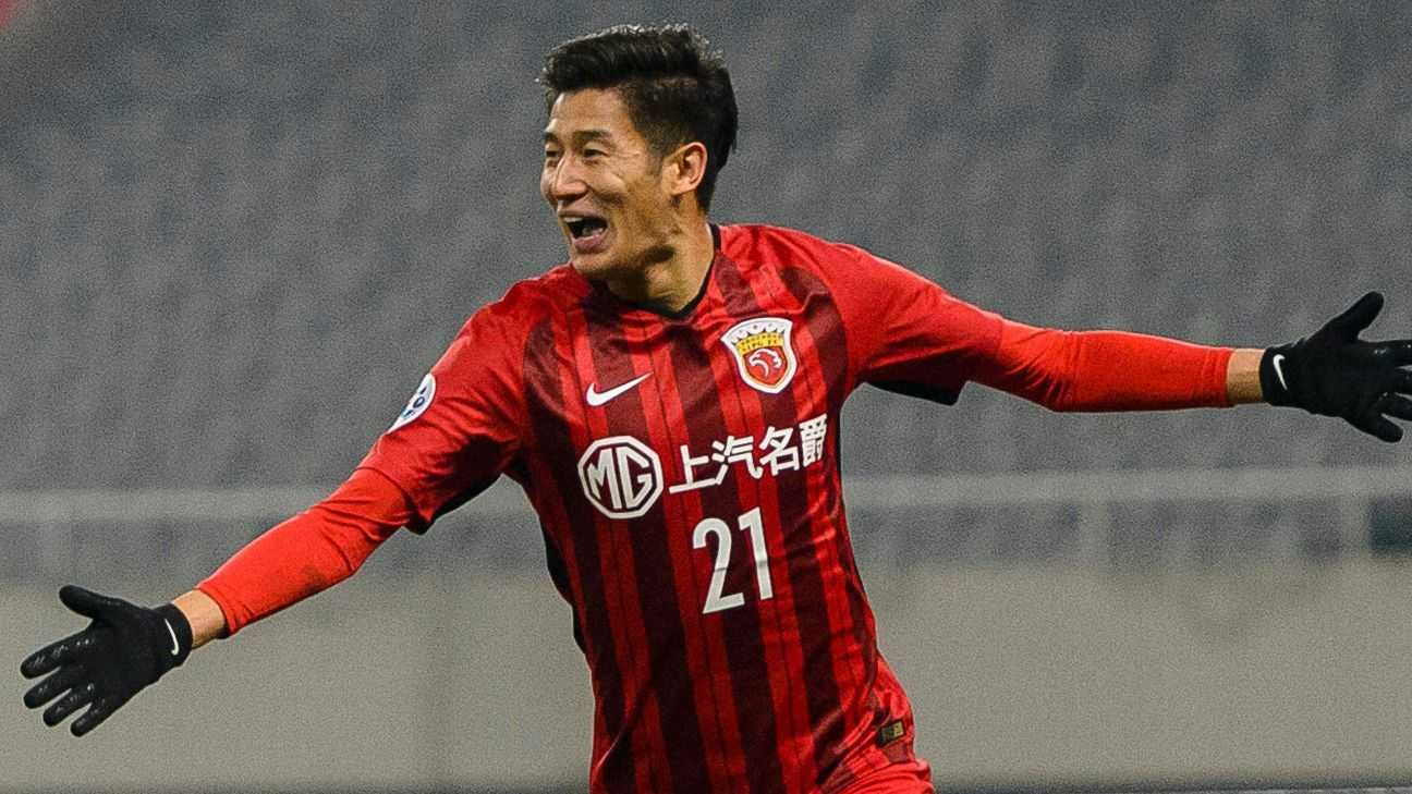 Yu Hai celebrates his goal for Shanghai SIPG.