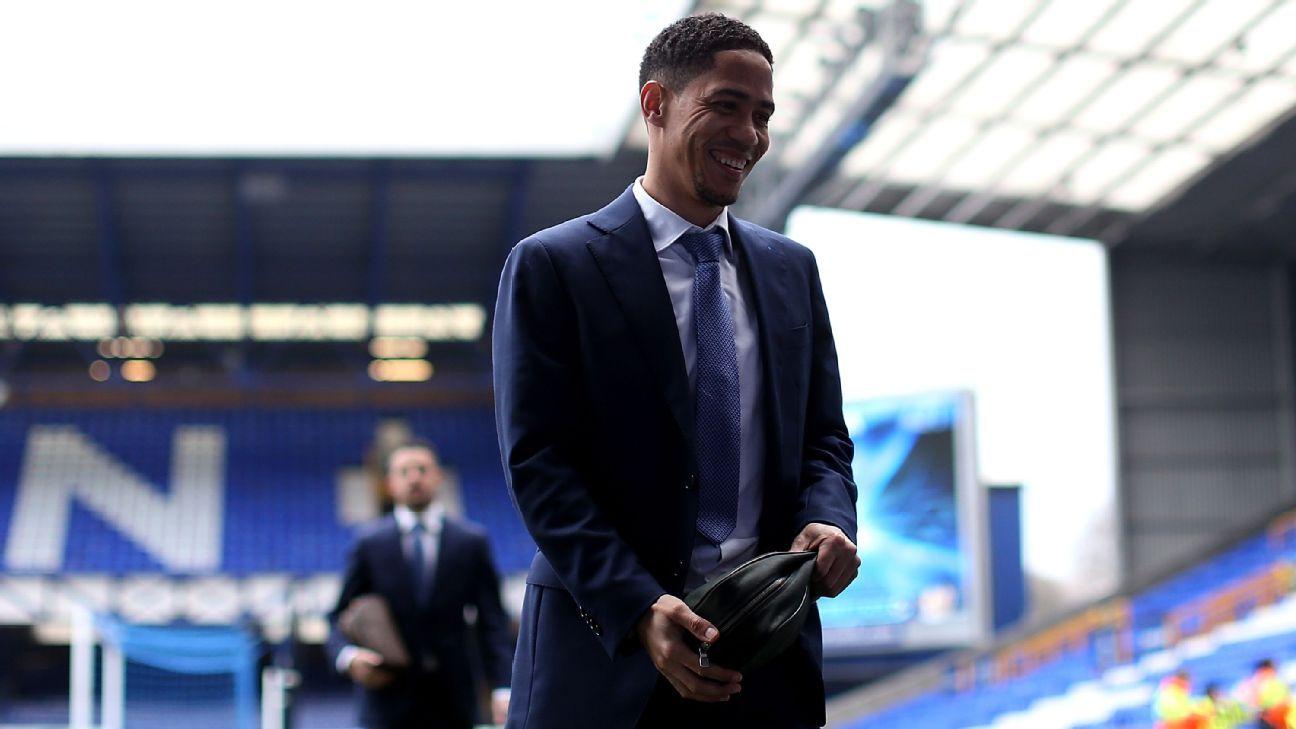 Steven Pienaar of Everton