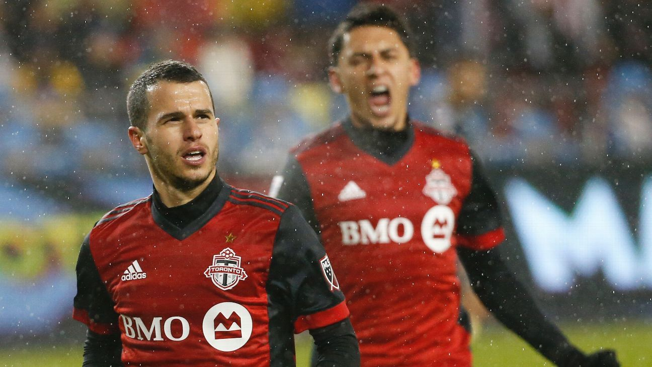 Sebastian Giovinco celebrates after scoring a goal against America in the CONCACAF Champions League.