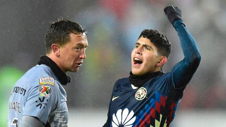 Club America keeper Agustin Marchesin, left, is one of the players Miguel Herrera alleges was hit by Toronto police.