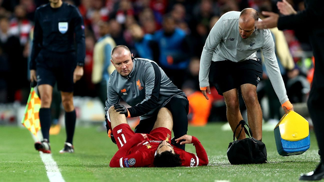 Mohamed Salah picked up an injury against Manchester City.
