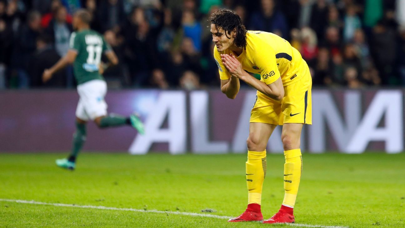 Edinson Cavani reacts after missing an easy goal in PSG's 1-1 draw with St Etienne.