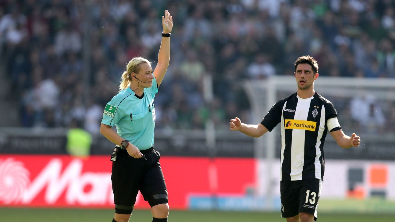 Referee Bibiana Steinhaus