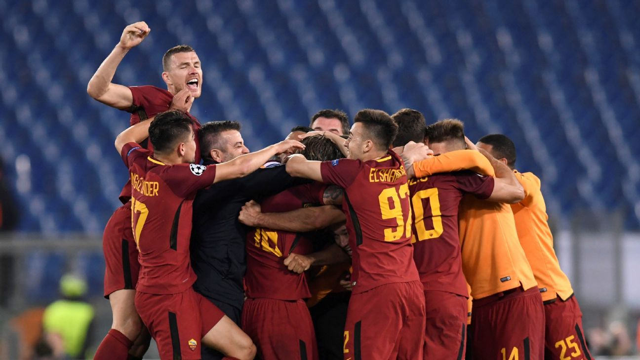Roma celebrate after the victory over Barcelona.