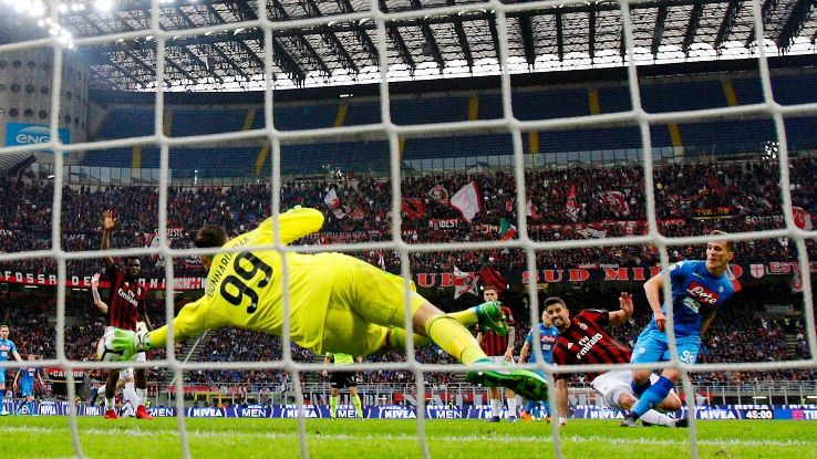 Gianluigi Donnarummas late save masks AC Milans offensive