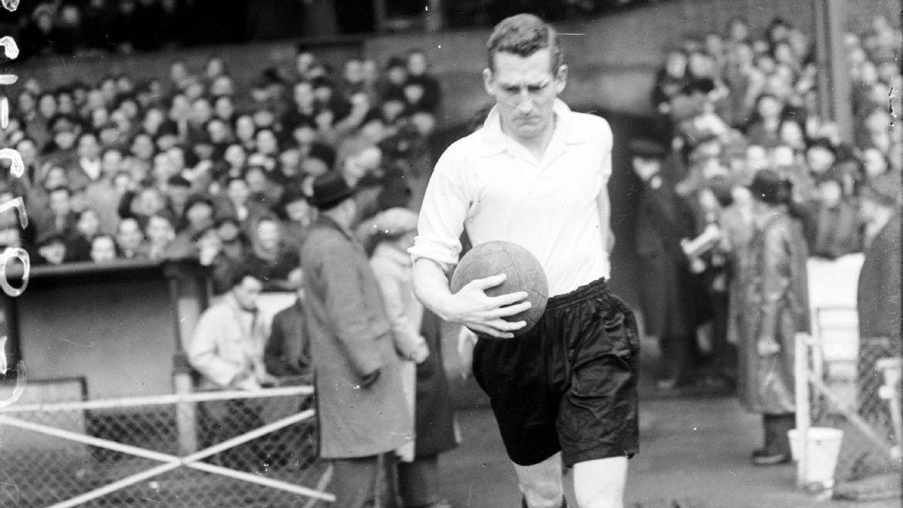 Roy Bentley in 1953.