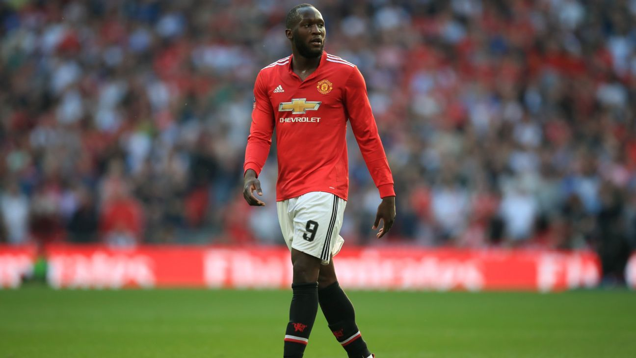 Romelu Lukaku during Manchester United's FA Cup semifinal against Tottenham.