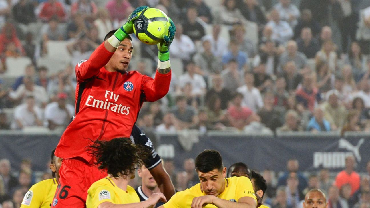 Alphonse Areola claims the ball during PSG's win at Bordeaux.
