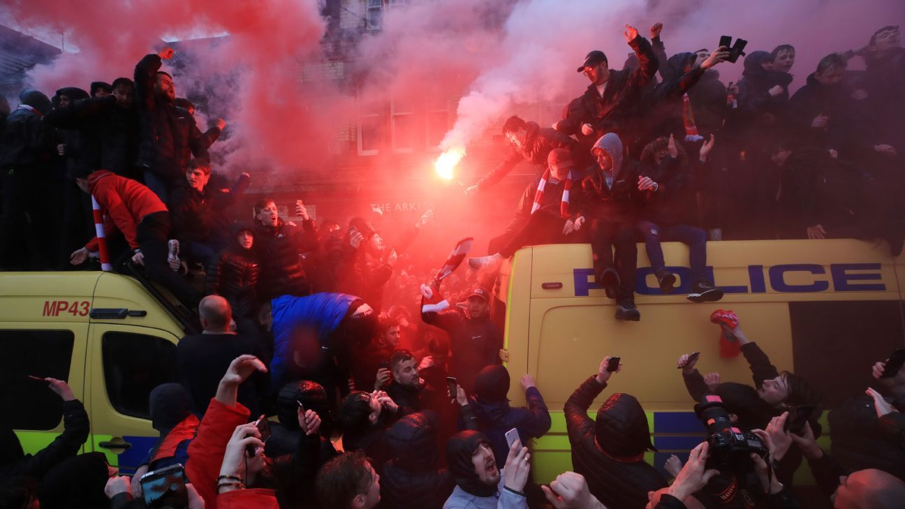 Liverpool fans got on top of police fans before the Champions League game vs. Roma.