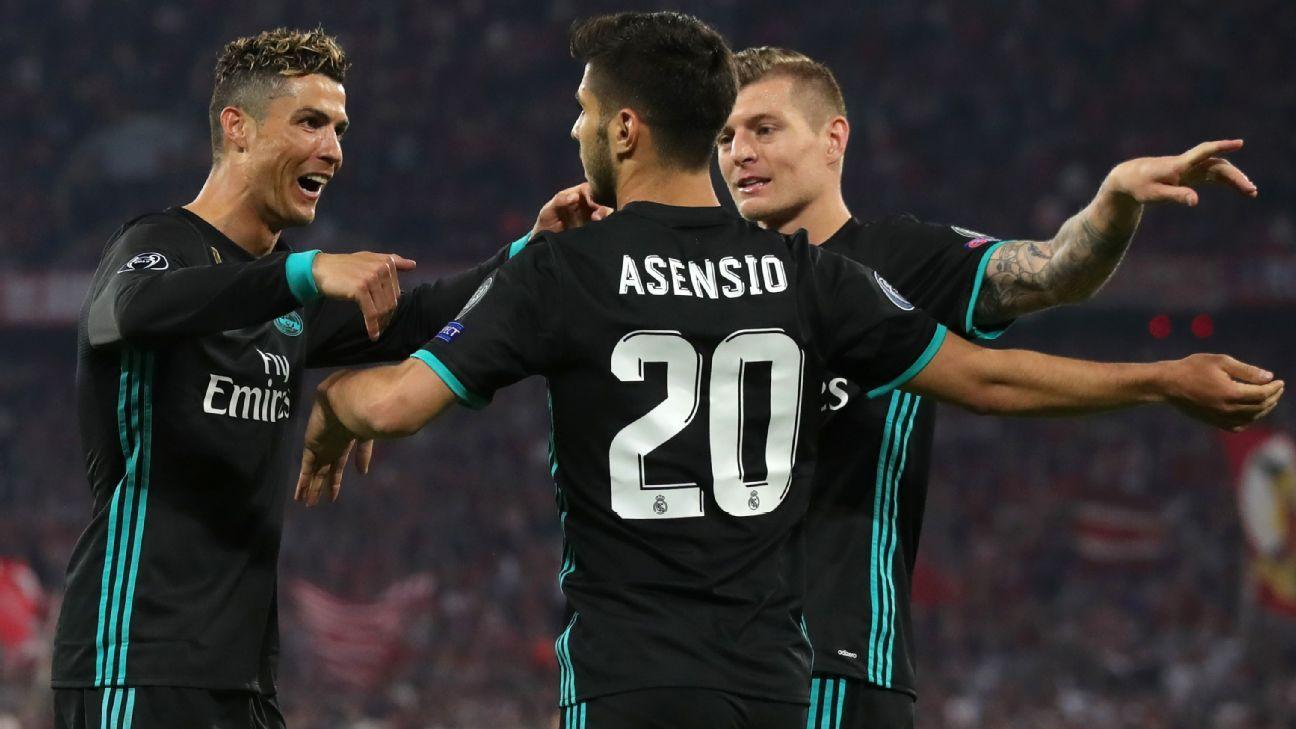 Real Madrid celebrate Marco Asensio's goal.