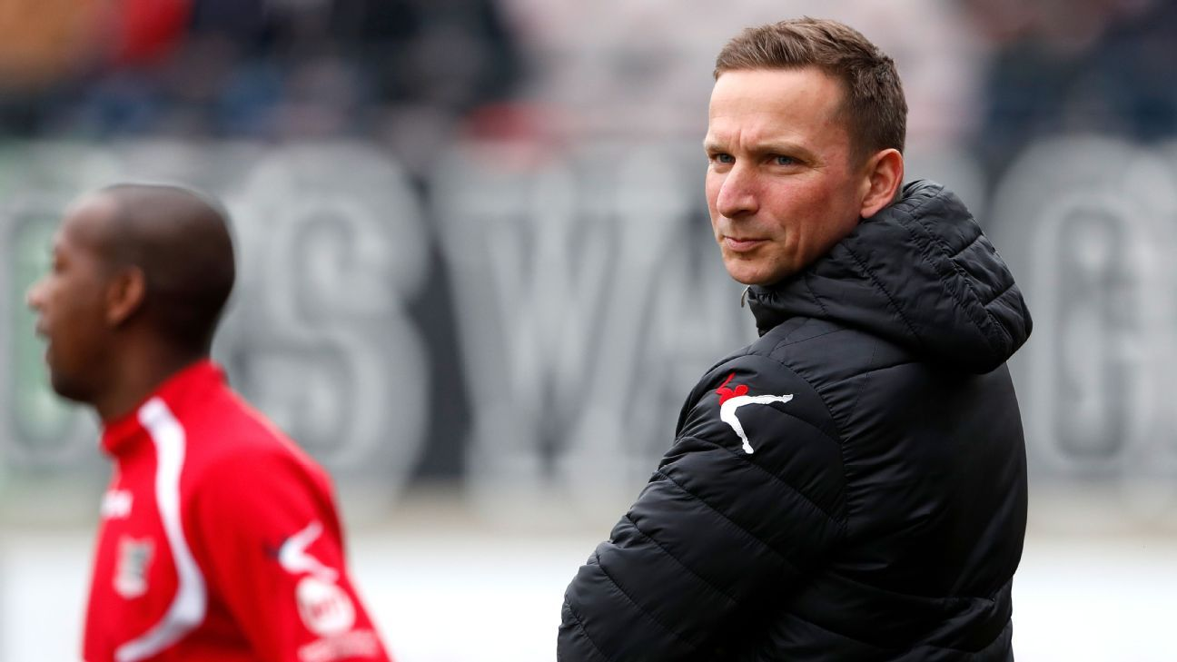 Pepijn Lijnders has embraced the added responsibility that comes with being a manager.