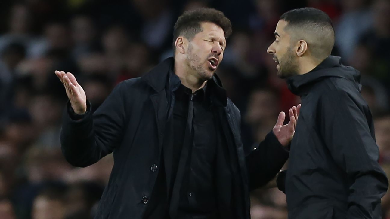 Diego Simeone reacts during the Europa League match between his Atletico Madrid and Arsenal