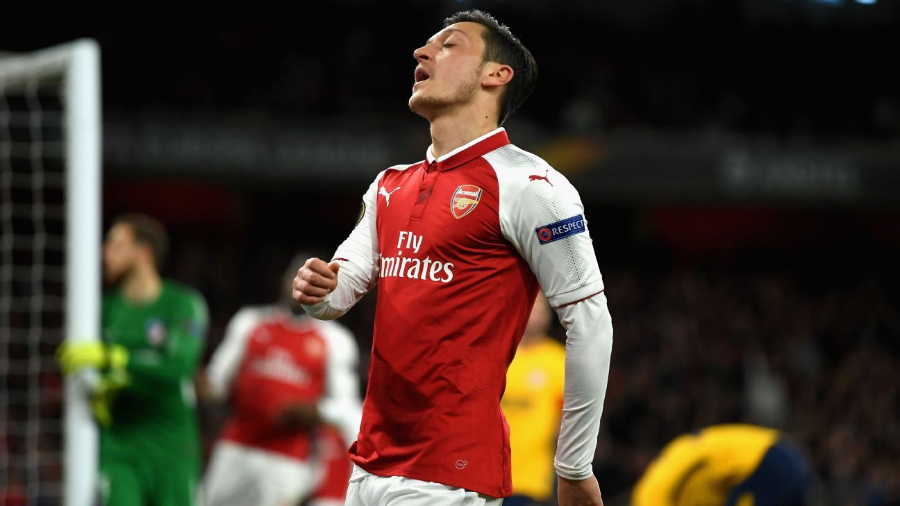 Mesut Ozil reacts during Arsenal's 1-1 draw against Atletico Madrid.