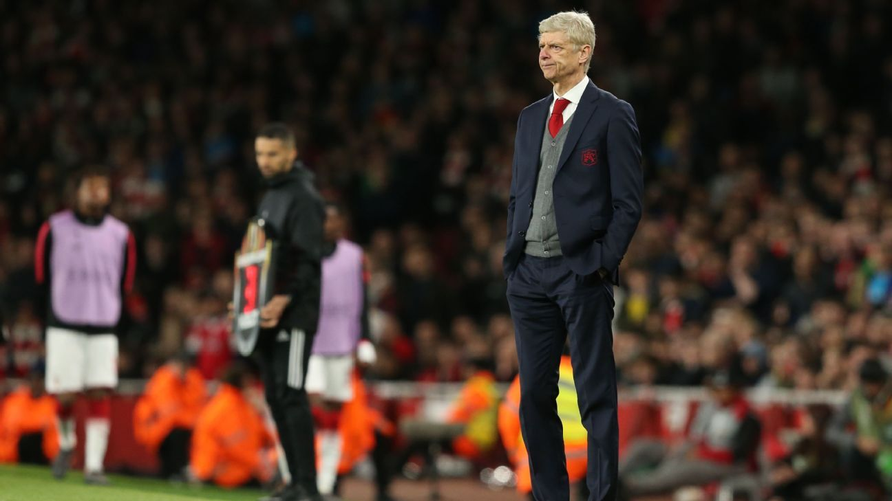 Arsene Wenger looks on during Arsenal's 1-1 draw with Atletico Madrid.