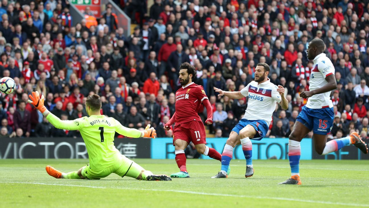 Mohamed Salah missed a gilt-edged early chance.