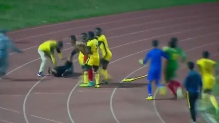Referee attacked during Ethiopian Premier League match between Defence Force SC and Welwalo Adigrat University