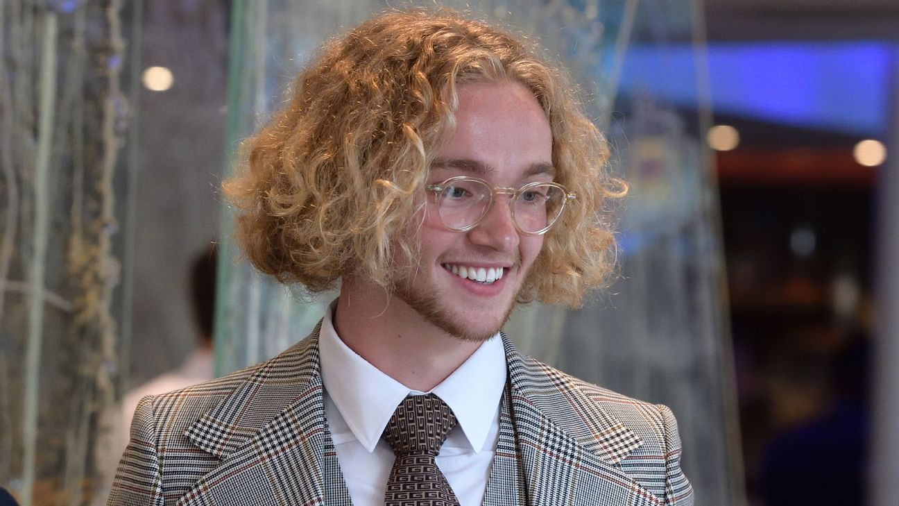 Tom Davies made a big impression at Everton's awards ceremony.