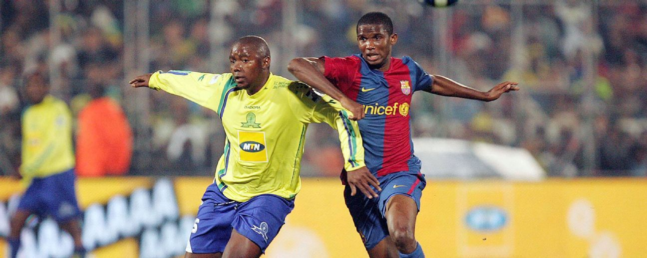 Oldjohn Mabizela of Sundowns and Samuel Eto'o of FC Barcelona during their 2007 clash