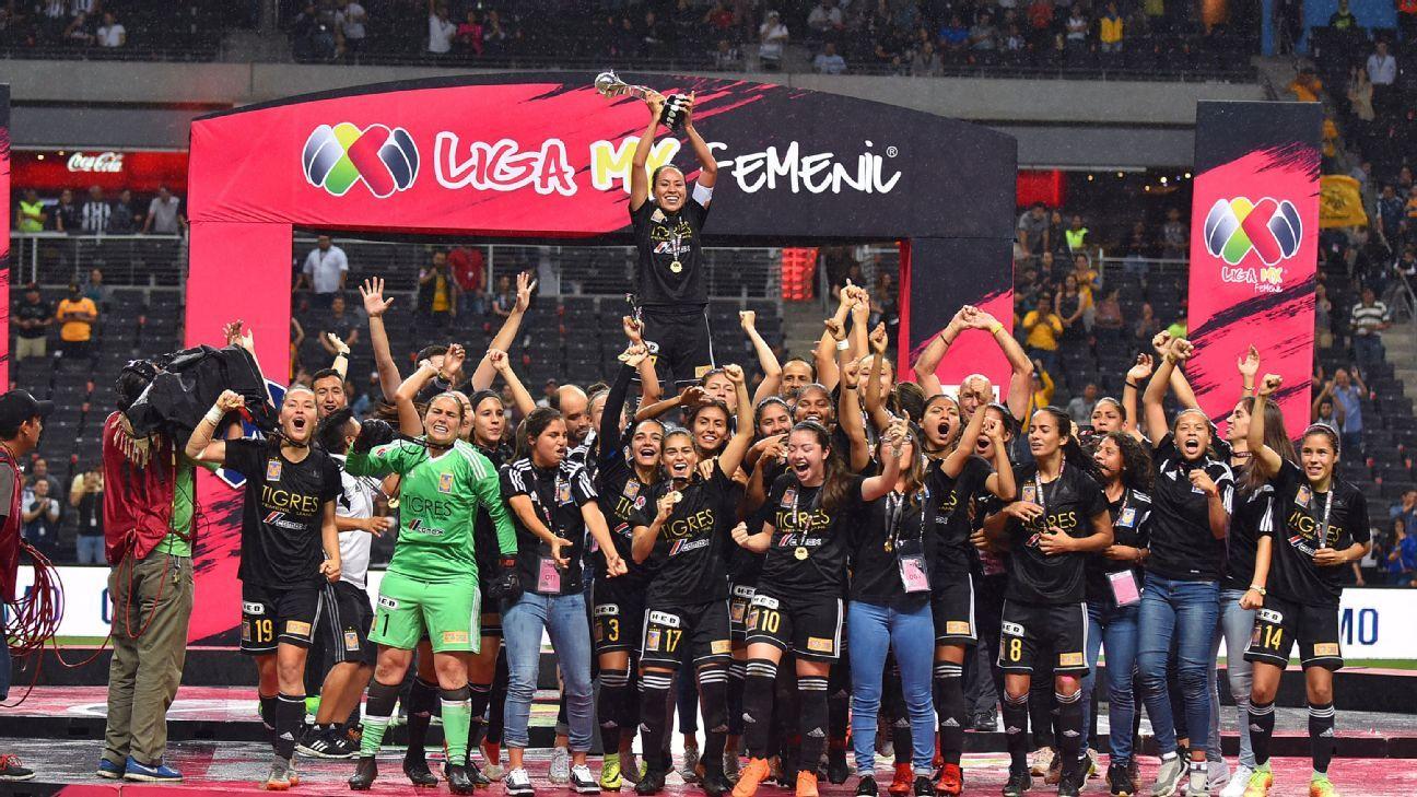 Tigres celebrate after winning the Liga MX Femenil Clausura title.