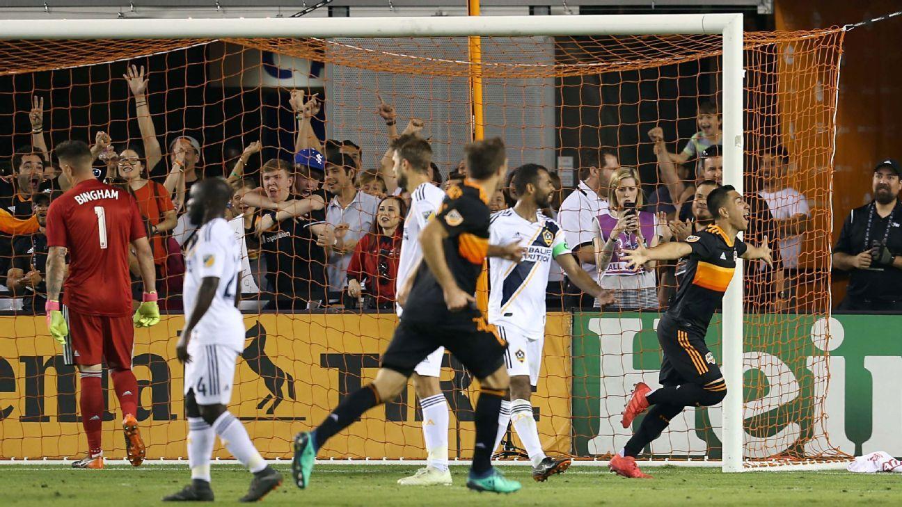 Houston Dynamo defeat LA Galaxy in last-minute thriller