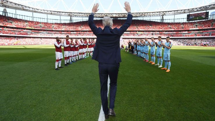 Arsene Wenger was given a guard of honour ahead of his final home match at Arsenal.