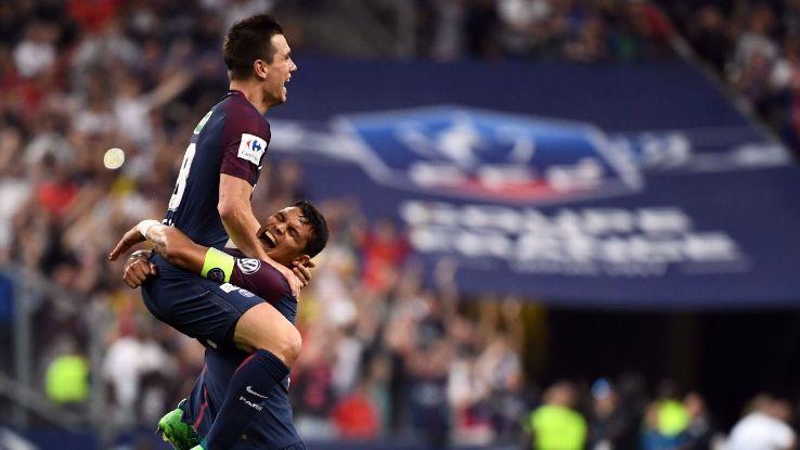 PSG's Giovani Lo Celso celebrates his opener vs. Les Herbiers.