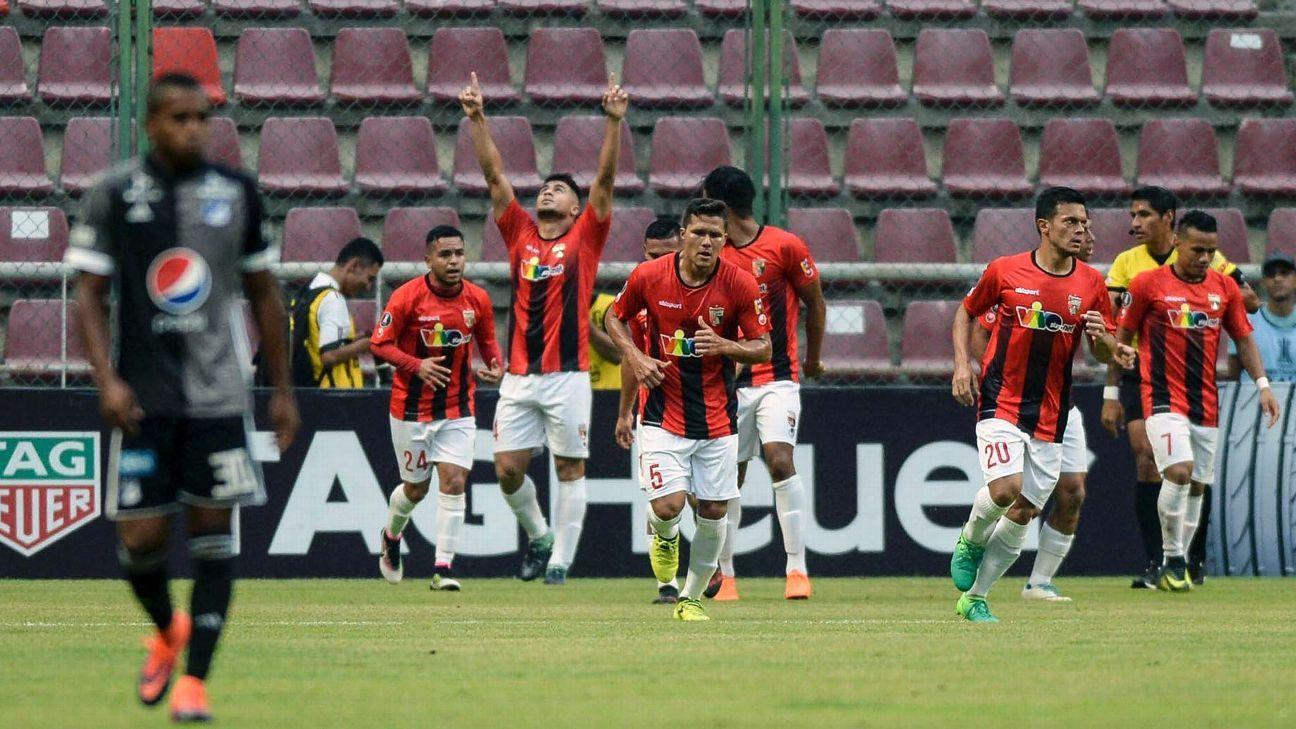Deportivo Lara's Carlos Sierra celebrates