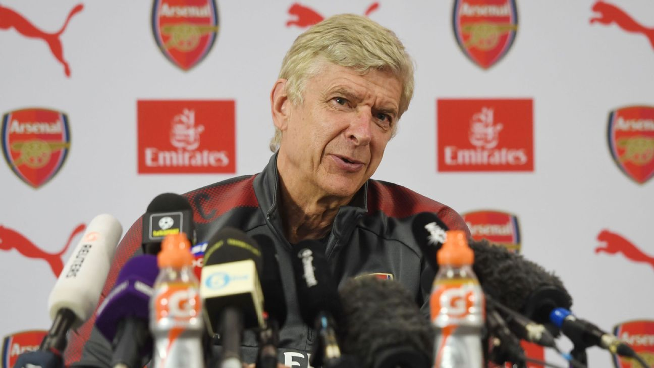 Arsene Wenger is planning to return to coaching.