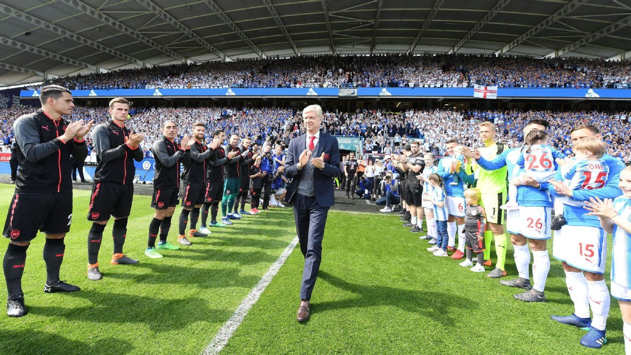 Arsene Wenger walks out for his last game as Arsenal manager.