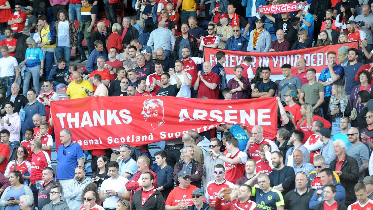 Arsenal fans pay tribute to manager Arsene Wenger.