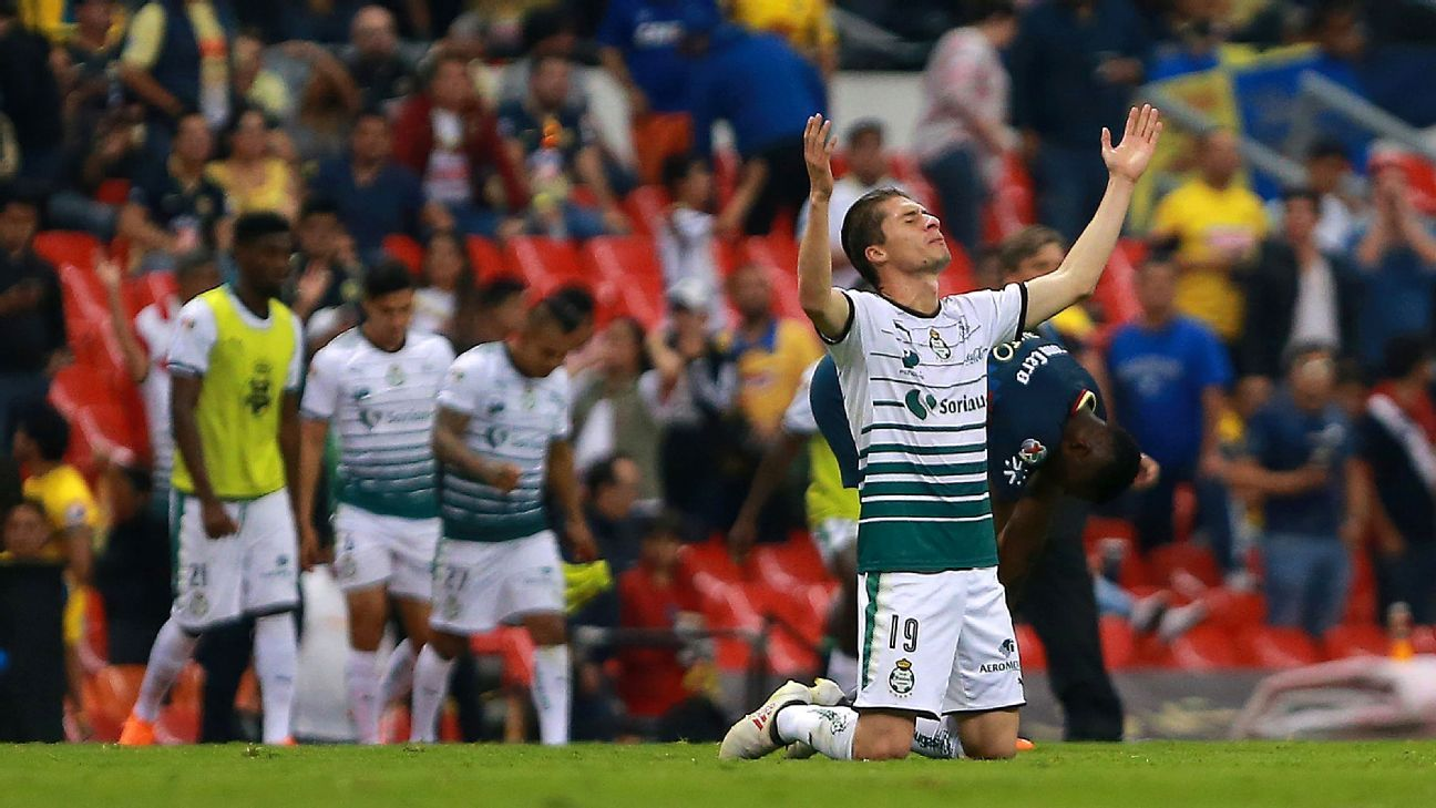 Santos Laguna withstood an early flurry inside Estadio Azteca to hold off Club America and advance to the finals.