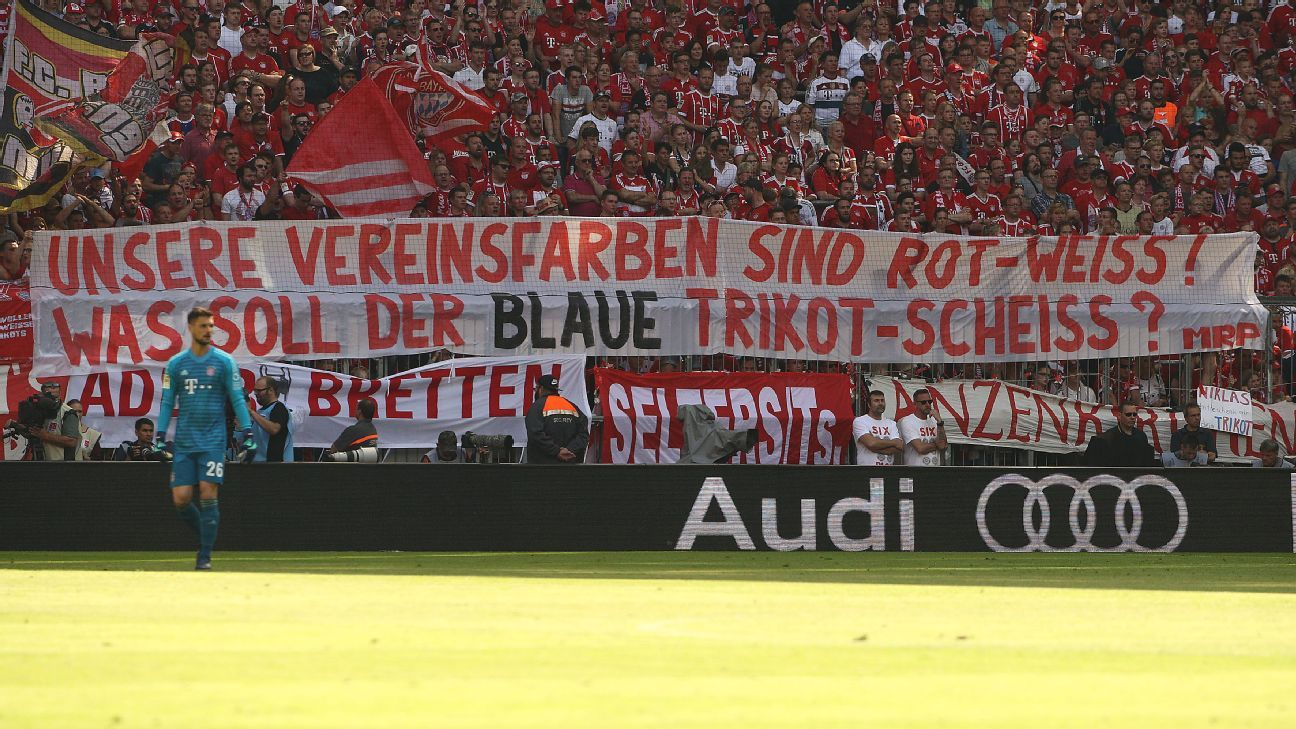 Bayern Munich fan banner expresses disapproval of new kit