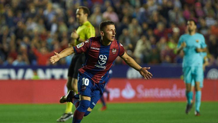 Enis Bardhi of Levante UD celebrates a goal