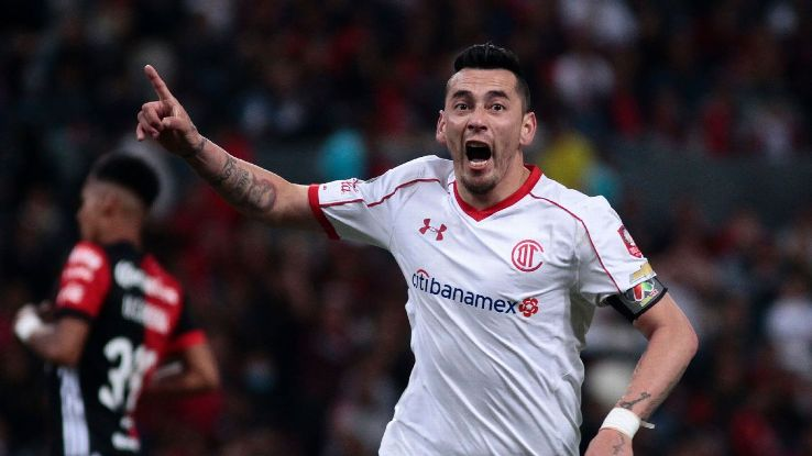 Rubens Sambueza has found a second life since arriving at Toluca.