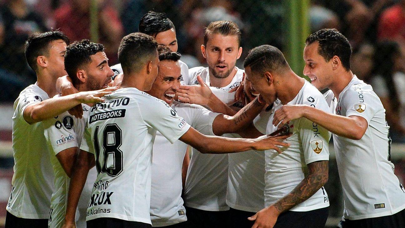 Corinthians celeb Copa Lib 180517