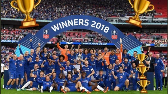 Willian obscured Antonio Conte from Chelsea's FA Cup final team photo with some trophy emojis