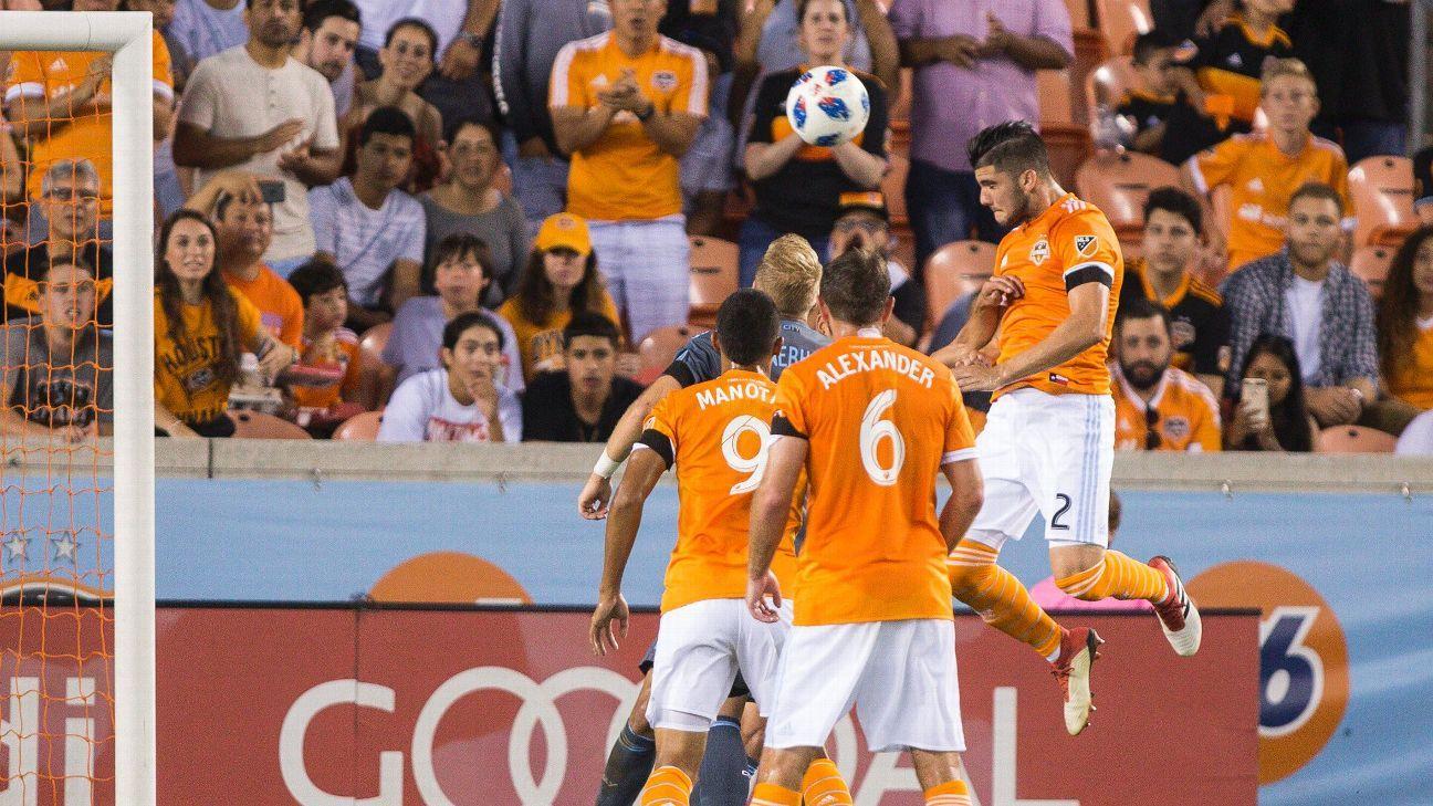Houston Dynamo downs New York City FC with Elis, Martinez goals