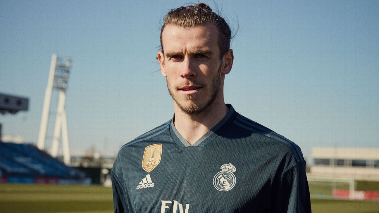 Gareth Bale models Real Madrid's 2018-19 away kit.